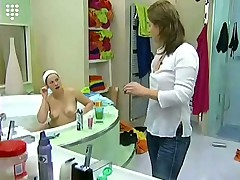 Big Brother Hot Blonde teen Girl Bathtub Shave Shower Nu