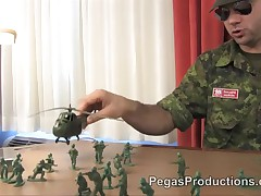Sergent Deche Fourre une Cadette