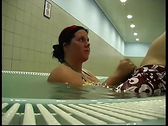 German BBW - Blowjob im Whirlpool