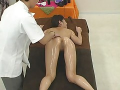 Herbal OiL Massage HIROMI