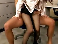 Office Lady In Pantyhose Getting Her Pussy Fucked Creampie..