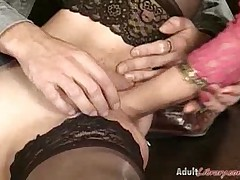 Hottie Wearing Stockings Gets Pussy Fisting
