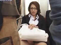 Girl Masturbates While On A Train