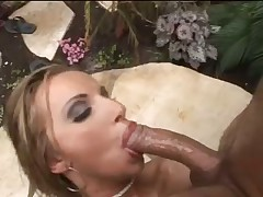 Incredible oiled up hardcore sex outdoors