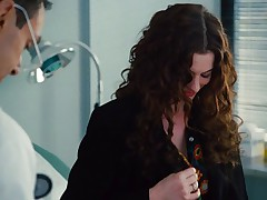 Anne Hathaway - Love and other drugs
