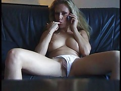 Amateur bitch getting horny from phonesex