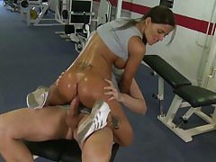 Angelika Black - En el gym