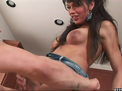 Yasmine Lee - Hot Tranny Gets Her Cock Sucked By A Stud