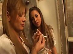 Lindsey and Lisa play