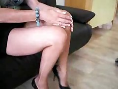 My mature fan ripped her pantyhose