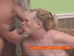 Granny swallows CUM and Comestibles OUT Best friends Sprog