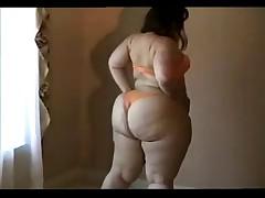 BBW showing her big ass